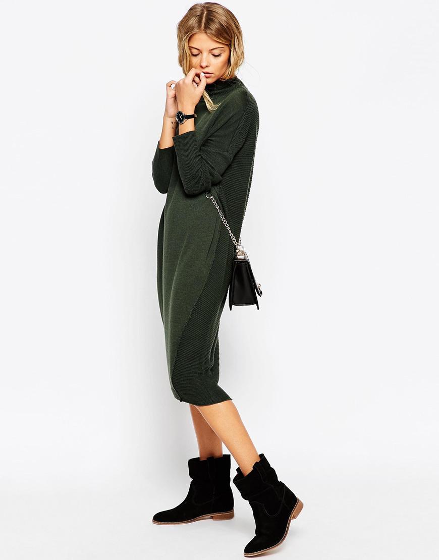 卡其色的連身裙搭配短靴透露出一種可愛的氣息♥