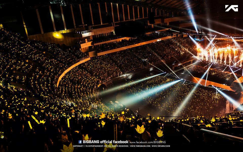 是說,皇冠手燈是韓國藝人第一個立體型手燈,雖然揮舞起來漂亮...