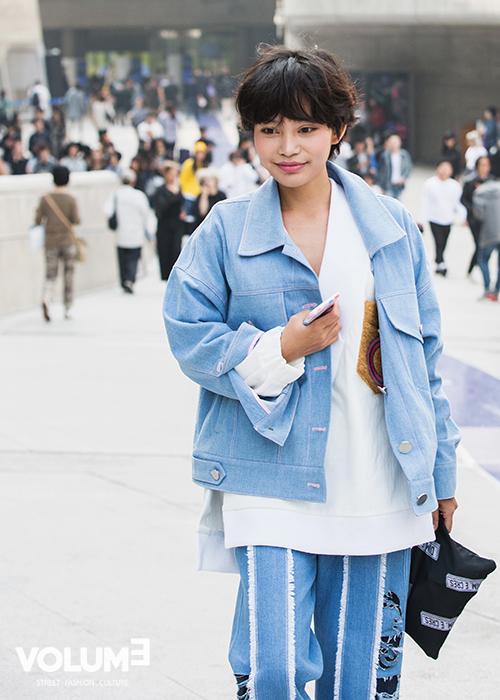 今年開始丹寧外套在韓國也是大熱~