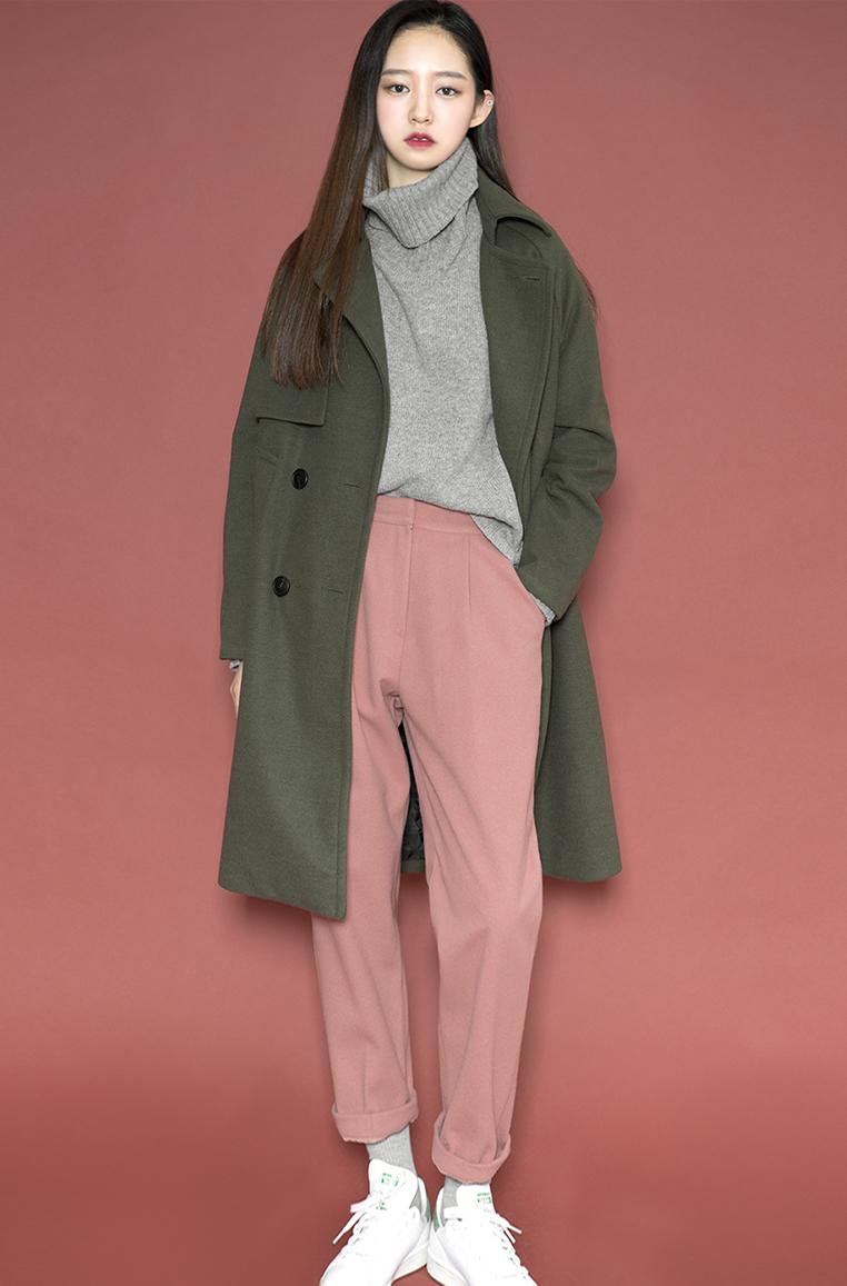長版的外套有非常多的選擇,適合不同的身形與季節可以挑選不同的材質與版型!