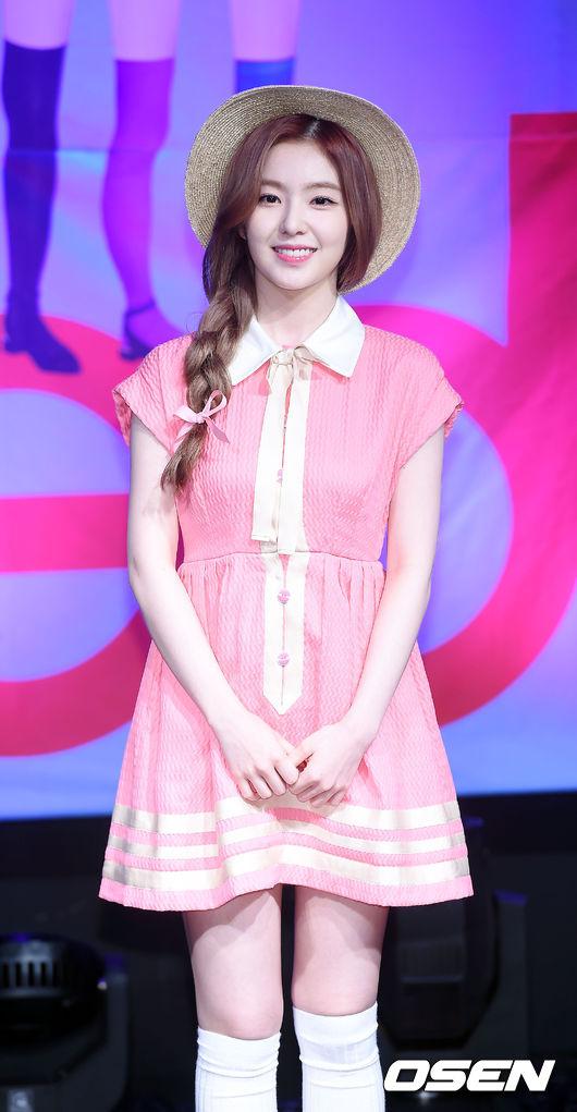 韓國網民表示Irene的美貌很有魅力,說這是不像話的美貌XD有這麼誇張嗎哈哈哈,其實小編也挺喜歡瑟琪的說♥(´∀` )人