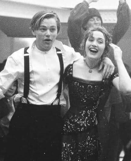 連鐵達尼號的沉船也無法將他們分開的悲傷記憶 以及兩人的短站戀情的悲傷愛情故事.