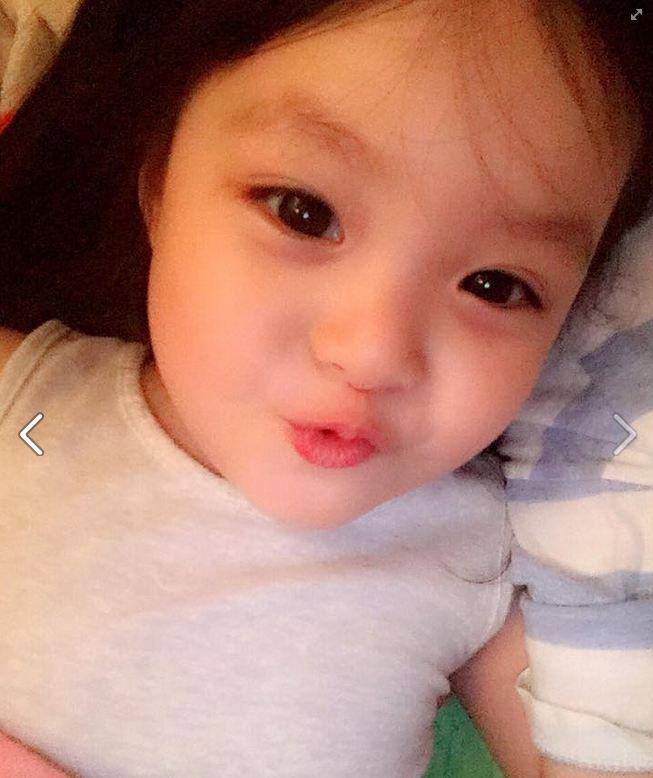 2011年11月11日生的 Jaeeun. 胎名星夏. 有著無法想像年僅5歲小女孩臉蛋的她 最近受到很多哥哥姐姐們的愛