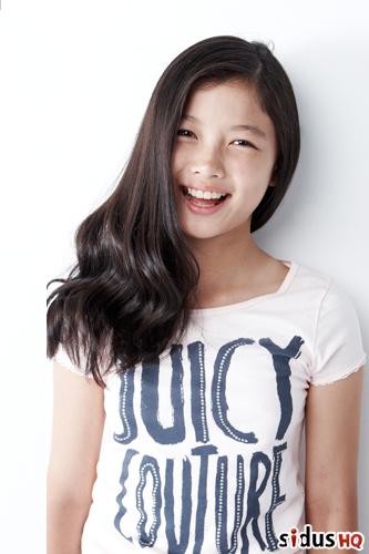 四歲就出道的她,也是很多韓劇中常常看到的兒童演員喔!