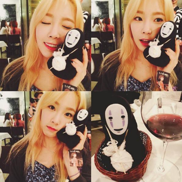 太妍是少女時代的隊長,也是隊內的主唱,並在今年發行了首張個人 solo 專輯。