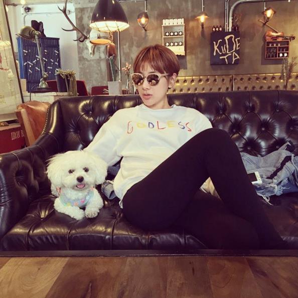 徐仁英的時尚裝扮在韓國演藝圈界也可以說是非常出名的,說到霸氣也一定會在名單中。
