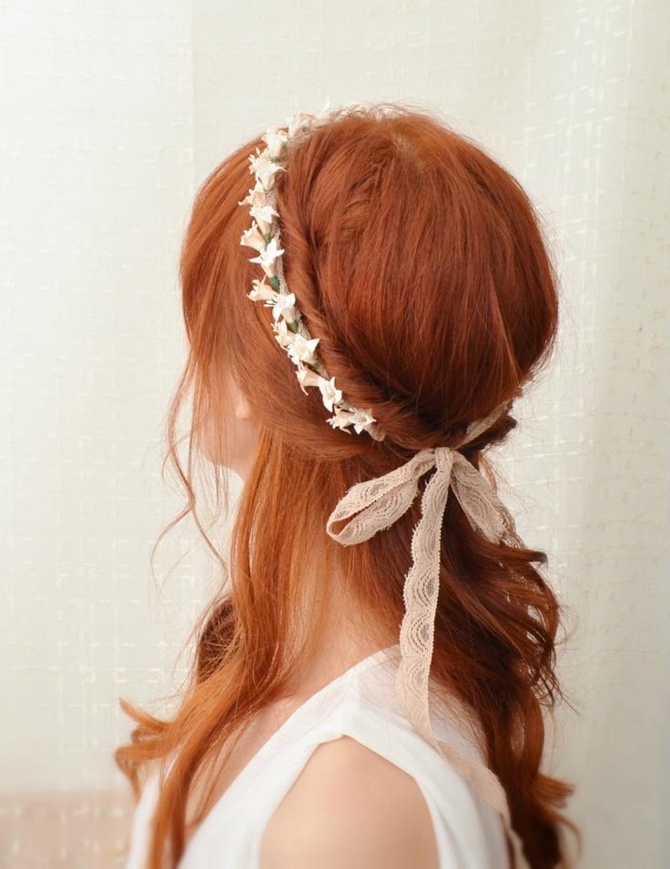 用半綁的髮型可以讓頭髮看起來沒那麼厚重的感覺!