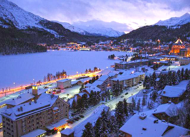 ④冬季運動 冬天怎麼能少了運動呢?!歐洲冬季運動勝地☞瑞士阿爾卑斯山! 被阿爾卑斯山四面環繞的聖莫里茨是這裡最具代表性的休養勝地♥