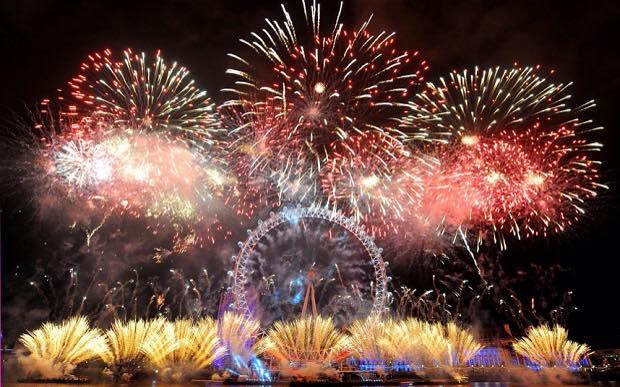 ⑦新年煙火表演 在歐洲各地都會進行新年煙火表演,但是其中最讓人期待的是倫敦的表演..☆