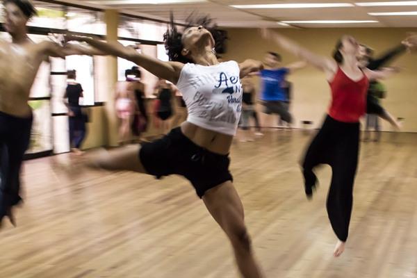 4. 有規律的運動 類似運動這樣的身體性活動可以抑制乳癌的發生! 因為運動本身就可以調節體內的荷爾蒙分泌和能量均衡。