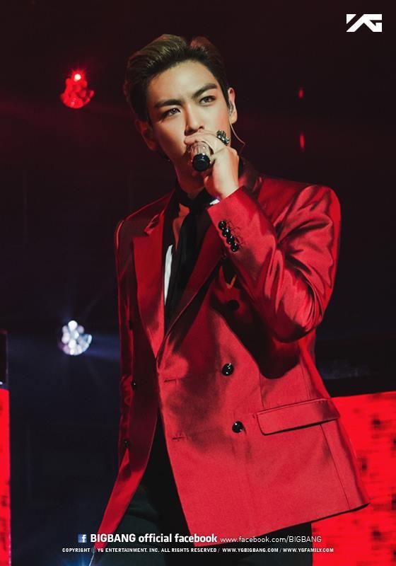 9.BIGBANG T.O.P 帥氣的T.O.P也是這恐龍Line的成員之一XD