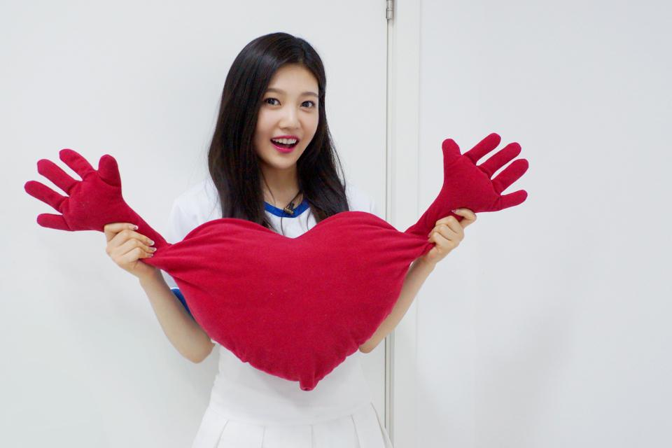 第一位就是 Red Velvet 的 JOY ♥