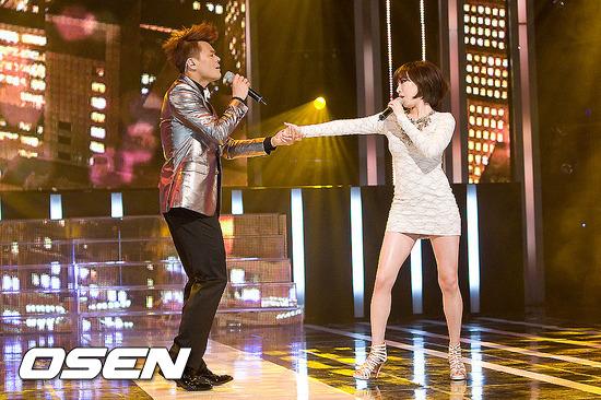 但在那之後 佳人因與JYP合唱 又再度被捲入了令粉絲無言的與朴軫永(JYP)莫名其妙的戀愛說