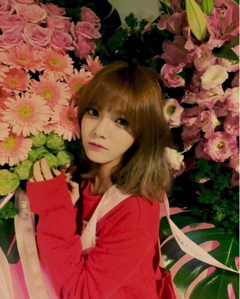 // AOA 智珉 // 從出道就是短髮造型搭配她嬌小的個頭 SO CUTE啦~