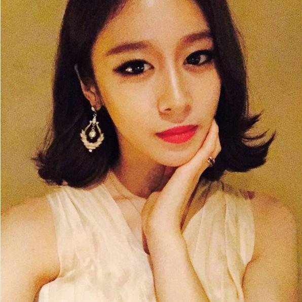 // T-ara 智妍 // 帶有個性風個智妍這樣外翹的短髮是不是也很有魅力呢?