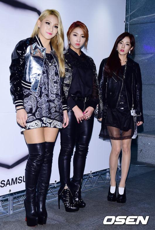 出席所有活動,2NE1永遠是4缺一的遺憾,相信很多Blackjacks(2NE1的粉絲名稱)應該都心裡有股淡淡的哀傷吧??