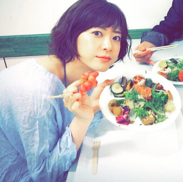 因為上野樹里回答在日本生活很辛苦,結果日本網友就說她「不愛國」、「討厭日本就不要回來了」 好可怕Σ(*゚д゚ノ)ノ