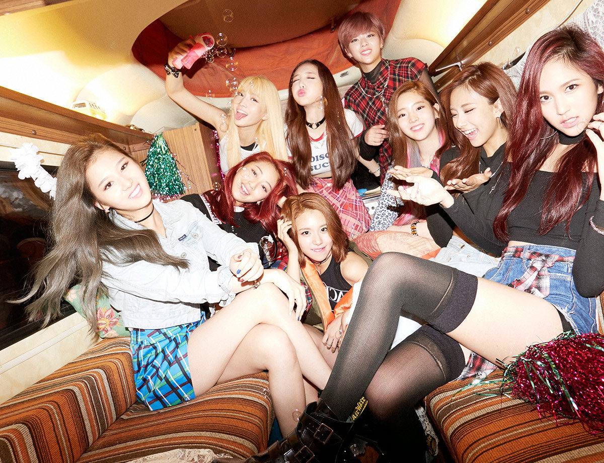 TOP7 新人女團TWICE(37票)