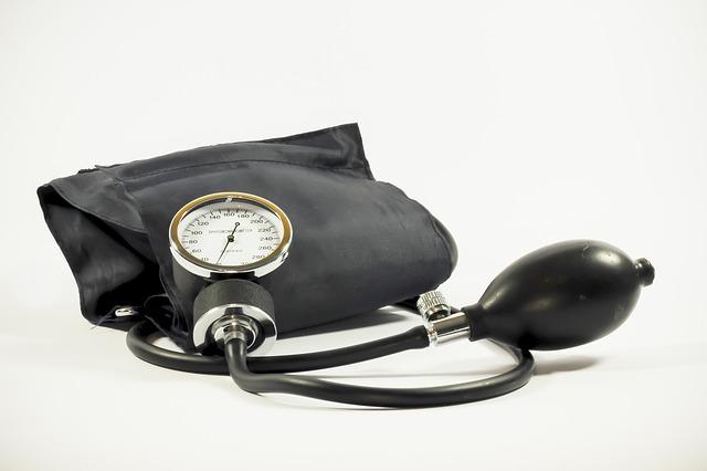 為了維持血壓正常,尤其家中有年長的長輩在時,就會自備血壓器量血壓~ 但是就算買了血壓器,你有量對嗎?
