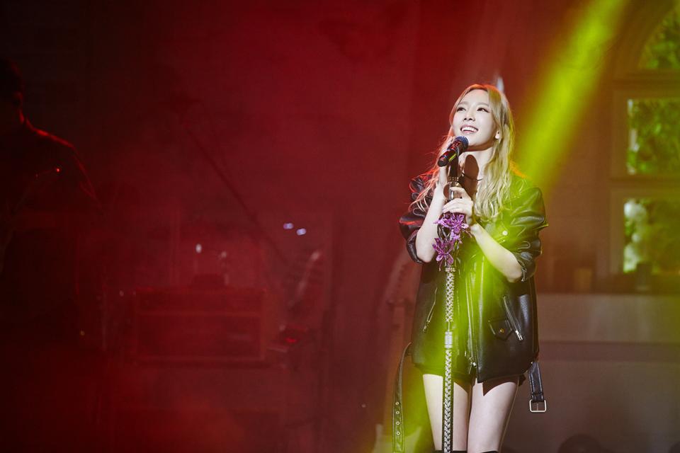除了要跑音樂節目宣傳,重點是太妍還連開了7場演唱會~這...紙片人的太妍,這樣體力負荷得了嗎?