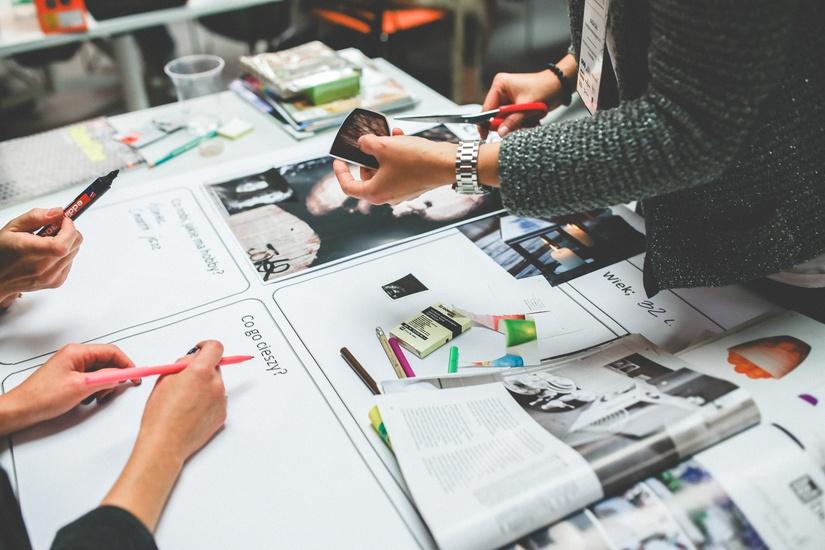 這個報告針對全球1980~2000出生的年輕人,從喜好、生活習慣調查對於品牌的認知度、喜愛度、口碑、購物時考慮的因素與品質做綜合比較,選出了20個最受歡迎的時尚與美妝品牌!但我們今天講十個就好了~