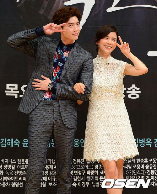 《聽見你的聲音》 這部相信愛看韓劇的人都一定知道,閔俊國真的太可惡了!!為了報復指認自己的張辯,接近張辯媽媽還殺了很多人