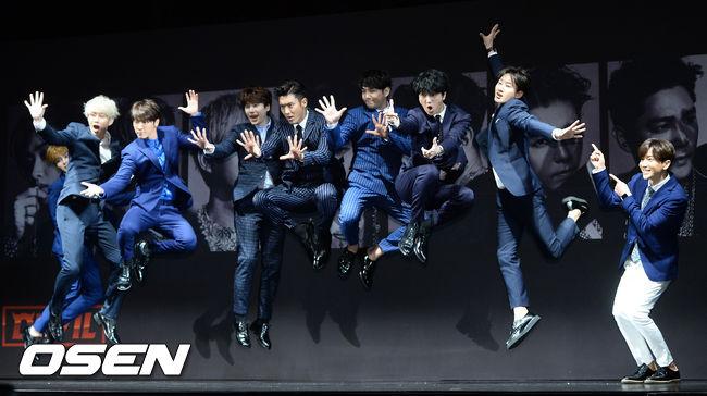 尤其是大家都知道...Super Junior 真的是...有時候非常失控(X)...阿...我是說每個人個性超鮮明(O)的團體XD