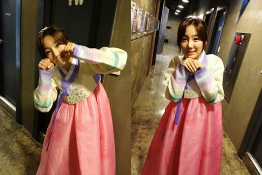 還有今年行程滿滿的「嗡嗡嗡」太妍榜上有名 希望今年SM家也會拍攝賀年照片 好久沒看到太妍穿韓服了啊~