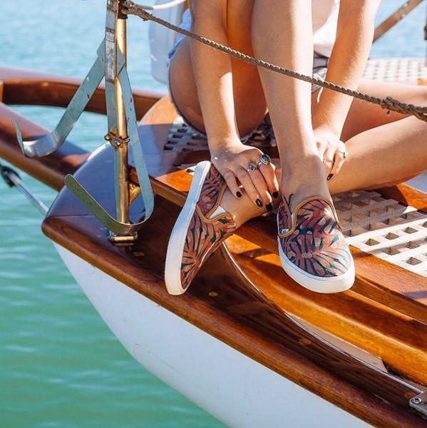 Vans XSeea 比起剛剛的強烈風格,喜歡比較柔和風格的女生,可能會對於Seea設計的鞋款一件傾心!