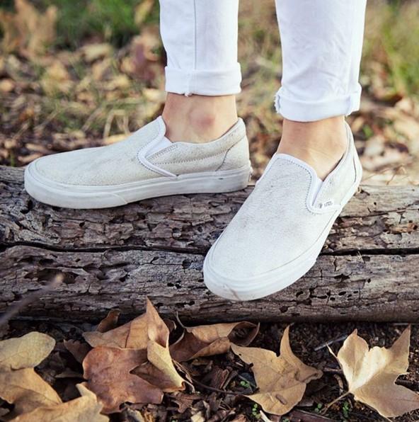 說道材質設計,秋冬也很適合這種有點毛茸茸感的鞋~