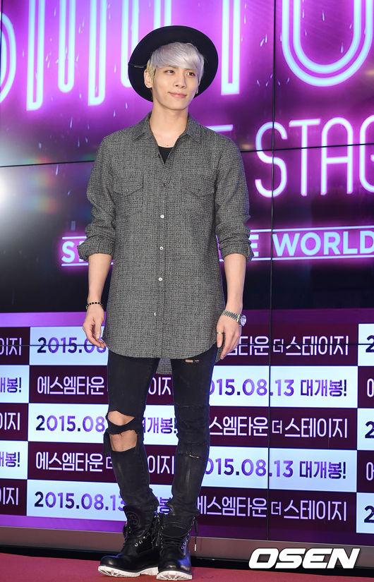♡ SHINee 鐘鉉(종현)  SHINee 的主唱鐘鉉不僅超會唱,作詞作曲方面的才華也備受肯定,除了發行自己的 SOLO 專輯外,也常常可以看到他幫其他藝人創作。