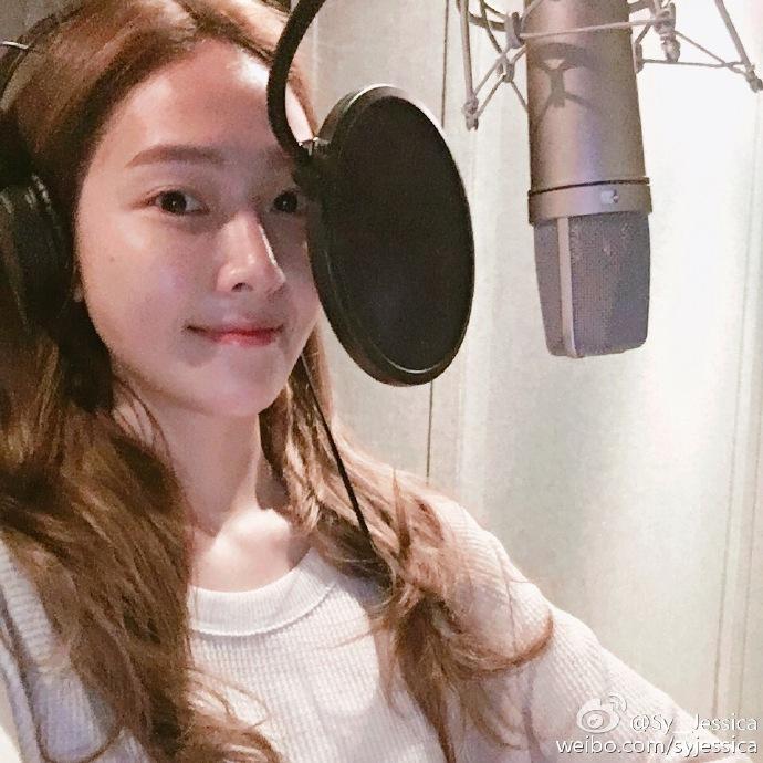 重點是Jessica還提到距離下一次的回歸,粉絲們不會等太久!不會等太久!不會等太久!(重要的事情 跟著小編一起唸3次!)