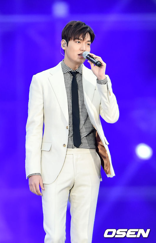 嫌犯姜某到中國宣稱自己是李敏鎬的公司代表,並擁有演唱會簽約的權力。但其所稱都不是事實,只是借用李敏鎬的知名度成為歛財的工具。