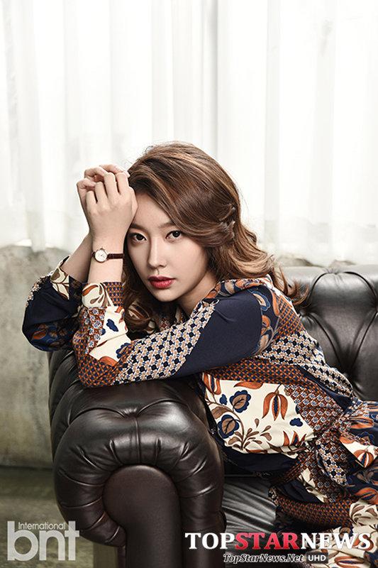 ▲金敏芝 (김민지 ) 另外一位則是台灣的粉絲可能較陌生的成員金敏芝,因為她在離開 SM後就轉向演員發展,也逐漸打出自己的名氣。