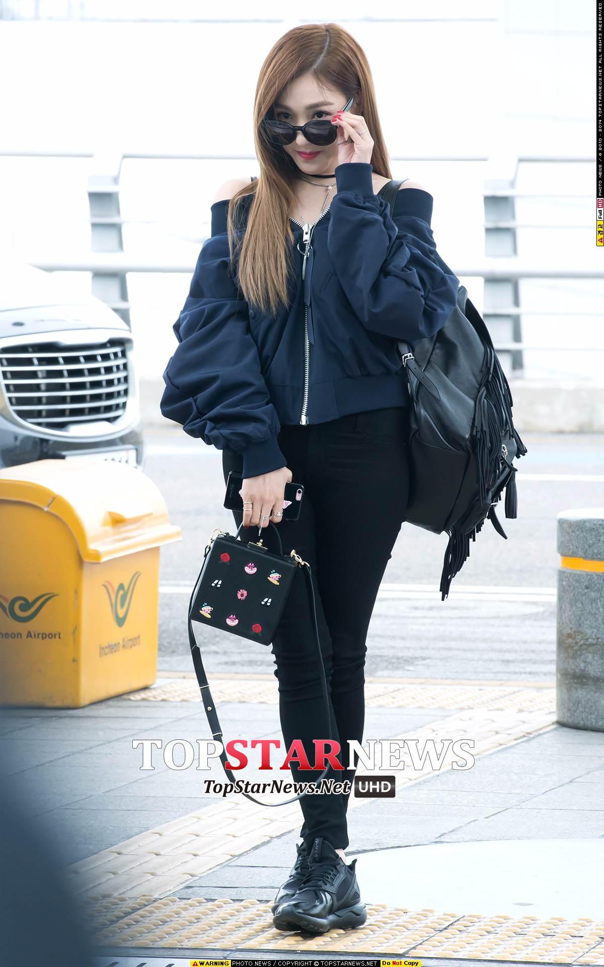 少女時代 - Tiffany 黑褲配黑鞋,整個氣場很強!
