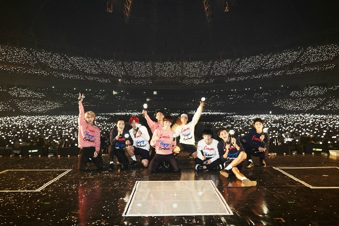 這張正規三輯是 EXO 今年首張團體專輯,超大規模的宣傳活動,也讓粉絲們對這次的作品表示相當期待。
