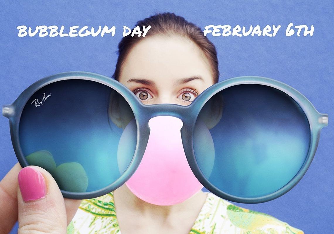 像雷朋在今年,也首度推出果凍色鏡架的眼鏡,有琥珀、粉紅和粉藍等色,相當繽紛可愛