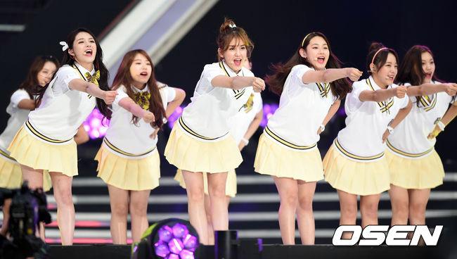 4日,I.O.I在Dream Concert結束第一次團體活動的宣傳行程...(不要阿~~~)