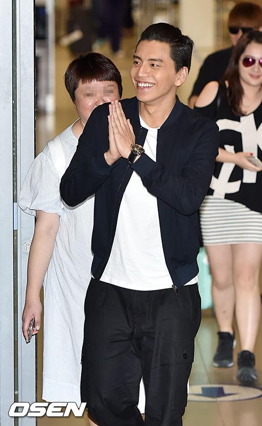 以《我的少女時代》人氣飆升的台灣男星王大陸,前陣子前往韓國出席粉絲見面會!