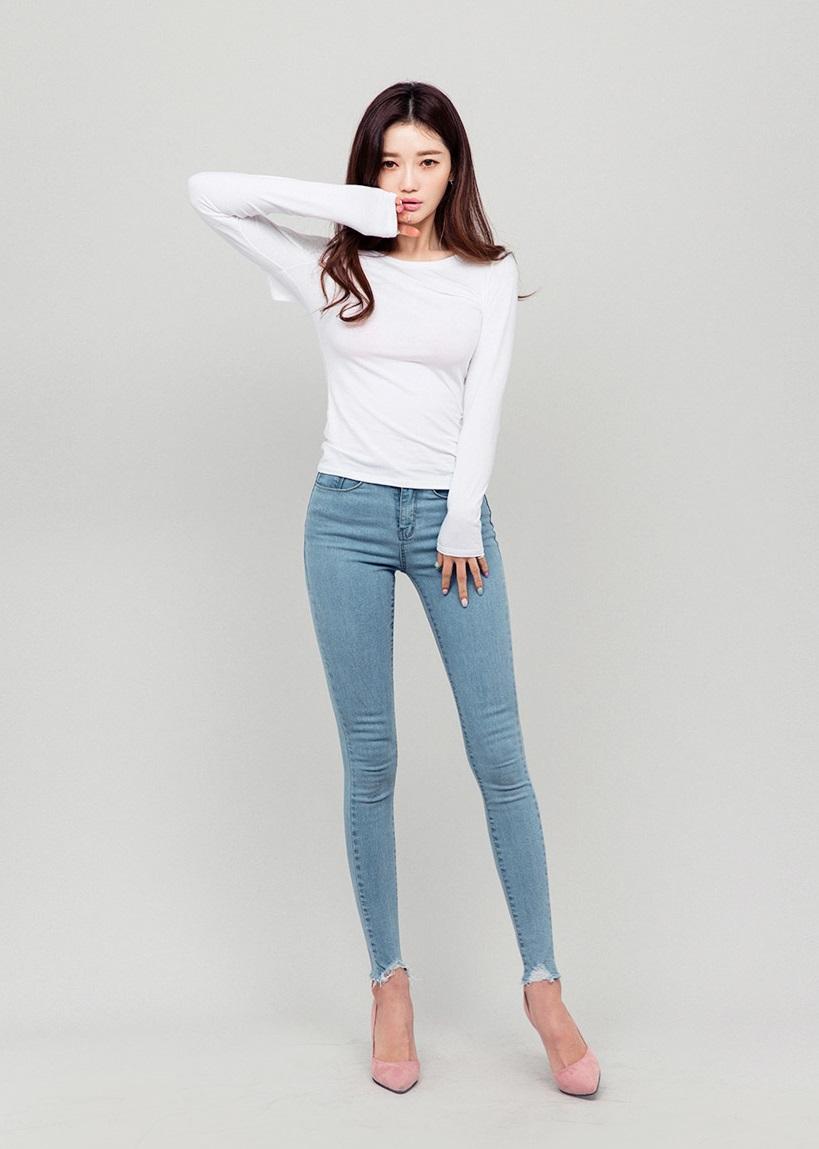 女孩們~炎炎夏日要穿上長褲長裙,是不是很難受?尤其是緊身長褲...真的是要了Bigger姐的命啊XDD
