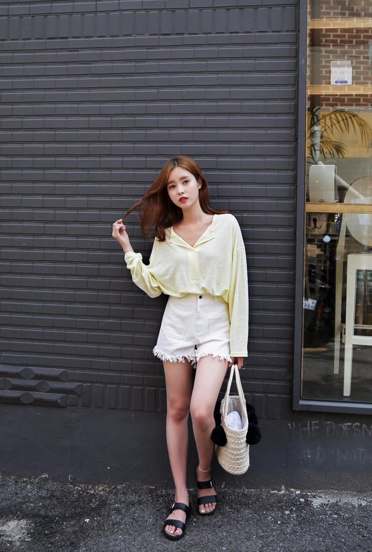 夏天都在穿短褲短裙,你還在為了你的腿而遮遮掩掩嗎?趕快把這些錯誤的習慣和動作改過來,就能夠展現超美的雙腿啦!