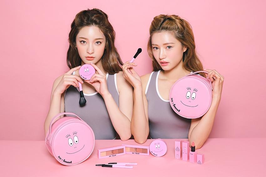 3CE作為韓國的平價彩妝,所推出的產品不僅好用,設計也非常刺激少女心,7月和泡泡先生聯名推出的套裝,也再一次火速燃燒著女孩們的荷包。