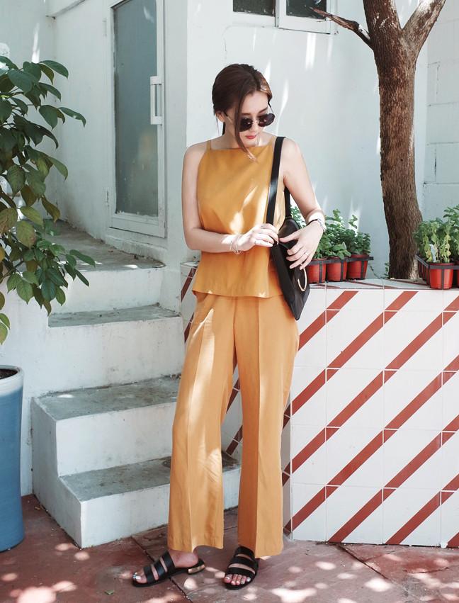 ◇上下同色 實在懶得搭配的時候,也可以選上下同色的套裝。