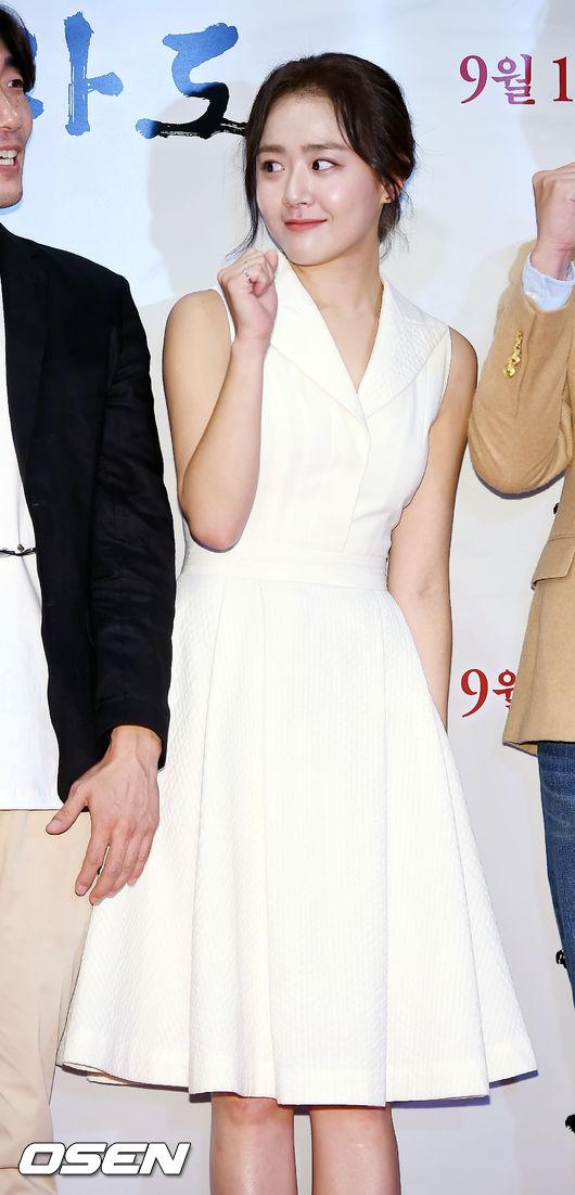 話說過了好幾年,文瑾瑩也變得越來越成熟了!想念當初那位可愛的16歲女高中生啊~~~