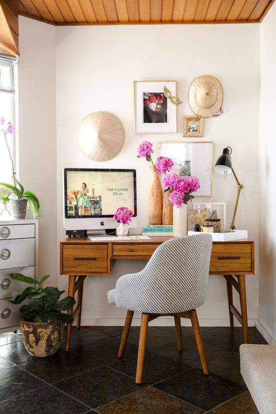 3.我的桌子就是個小型植物園!凈化心靈!