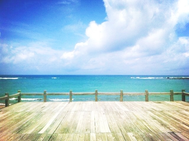 從民宿的觀景台看出去就是這片超美的墾丁的海啦~~飽兒已經醉惹...❤