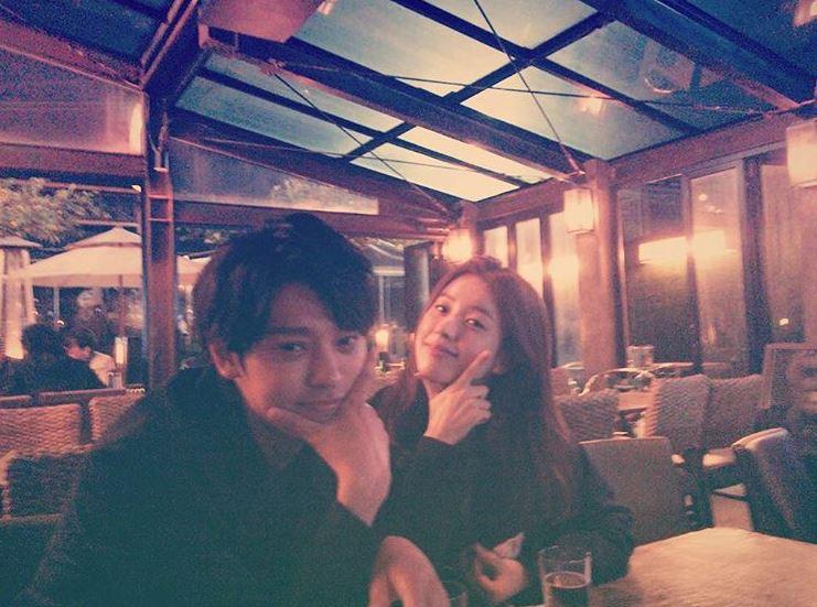 和韓孝周也因為之前一起錄製《兩天一夜》的關係而結下姻緣