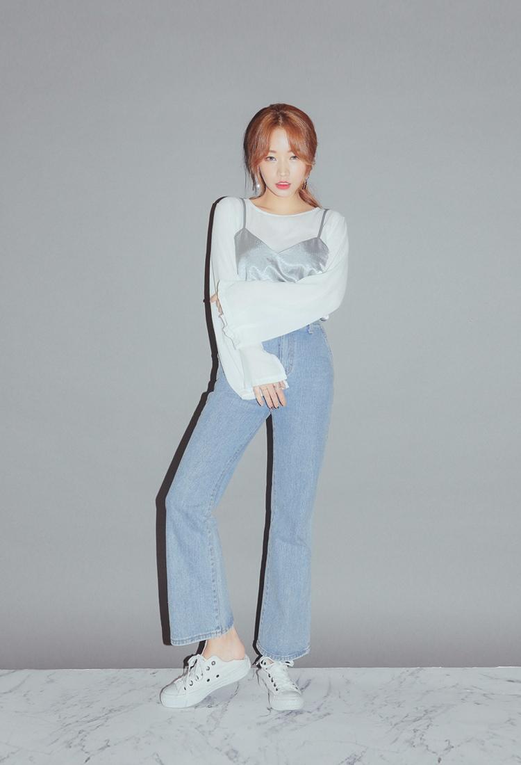 絲綢材質的睡衣背心,也是今年韓妞的流行元素。