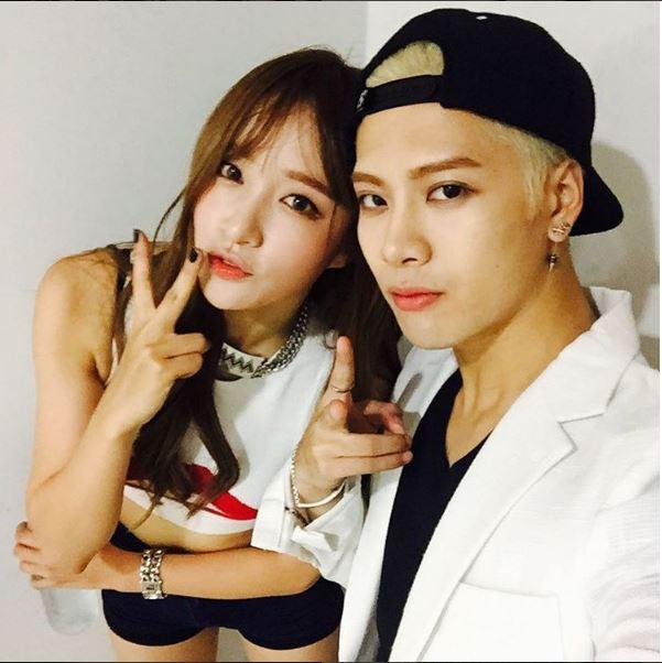 答案就是 GOT7的成員Jackson啦!加上練習生時期,Jackson在韓國的時間約5年,但不只上遍大小綜藝節目、非常懂得綜藝效果,而且韓語說得真的是連韓國人都認證的流暢