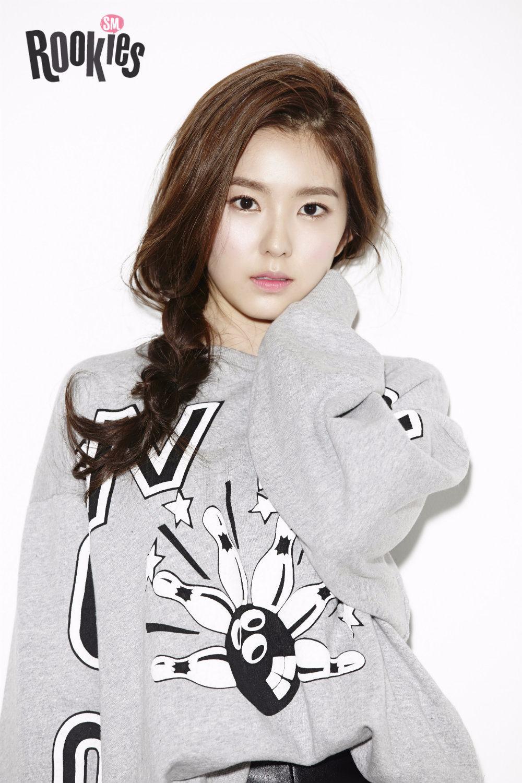 而且笑眼也被說和Irene、太妍有些神似,被說是SM下一代女團的壓箱寶不是沒有原因啊!